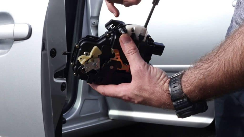 Steps on how to fix a door lock that has failed to function in the VW Jetta vehicle
