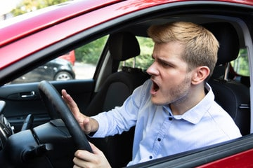 Causes of car horn problems and corresponding troubleshooting tips